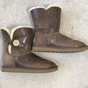 Brown leather bailey Uggs